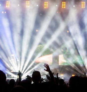 festival-party-dancing